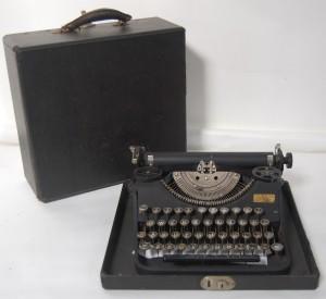 1930s Underwood Typewriter